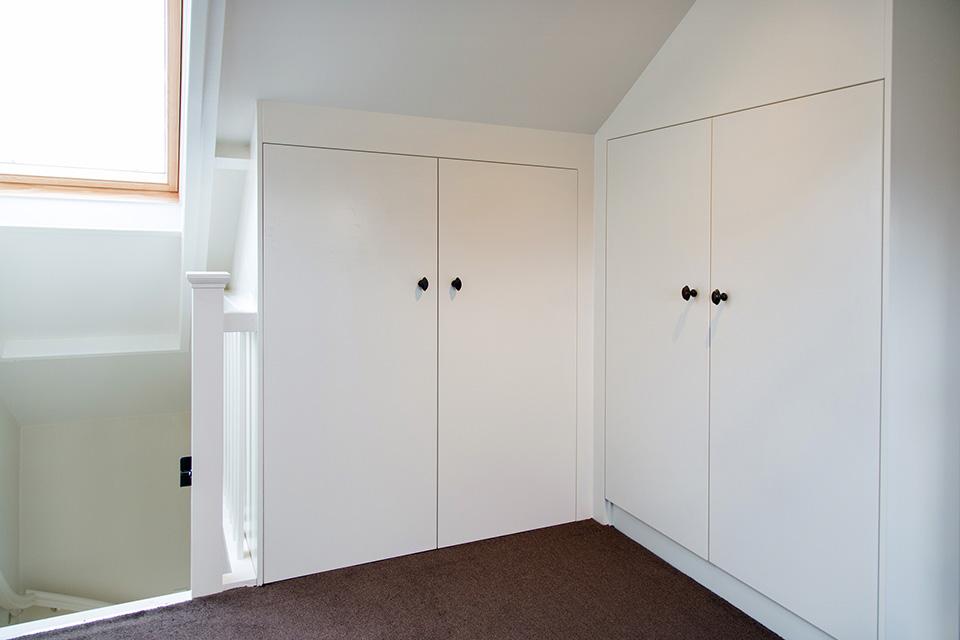 Keuken en zolder voorthuizen van den top timmerwerkenvan - Uitbreiding van de zolder ...